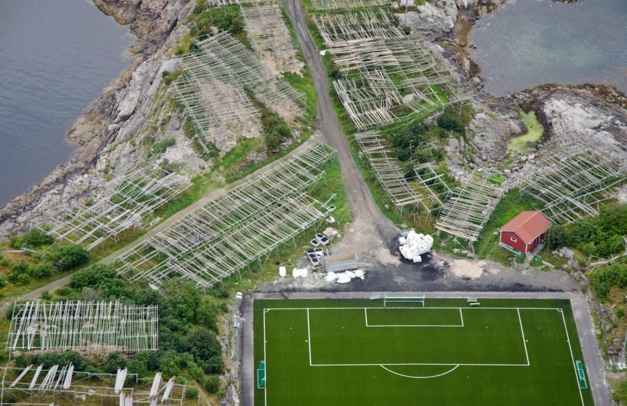 norway-arctic-21-lofoten-henningsvaer-football-cod-900x583